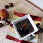 Composta di ciliegie pesche e mele alla cannella