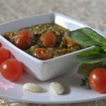 pesto-di-zucchine-basilico-mandorle-e-pomodorini