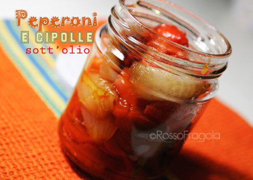 Peperoni e cipolle sott'olio – conserve