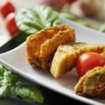 Spiedini di zucchine e crostini di pane
