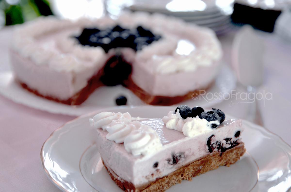 Cheese Cake ai mirtilli e ciliegie sciroppate