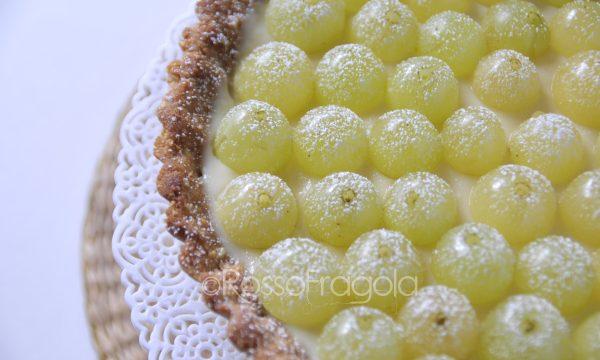 Crostata all'uva  con finta pasta frolla
