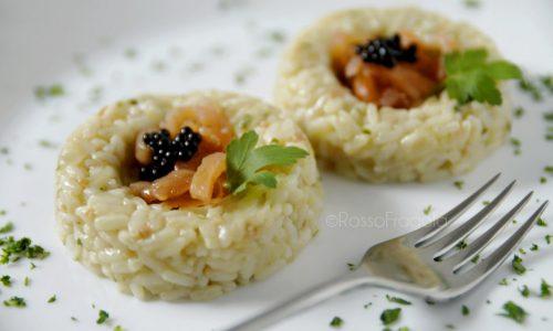 Sformatini di Riso al salmone con perle di aceto balsamico