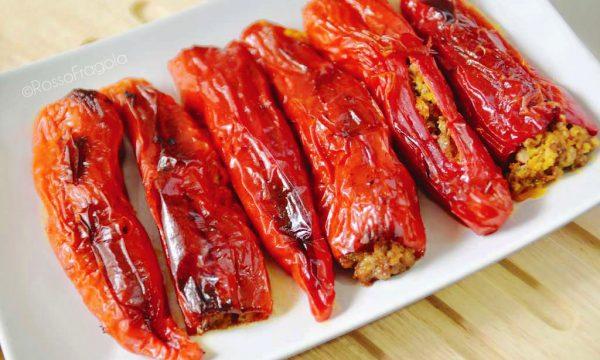 Friggitelli ripieni con trito misto di carne e carote