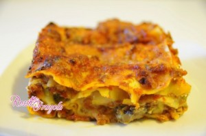 Lasagne con ragù e sapori dell'orto