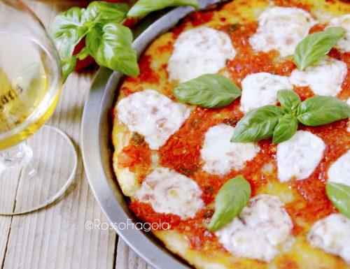 Pizza Margherita sottile – croccante fuori e morbida dentro