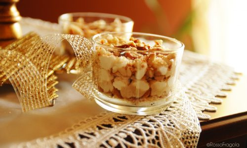 Crumble al torrone e caramello in coppa