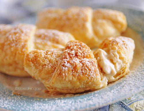 Croissant di sfoglia con ricotta alla vaniglia