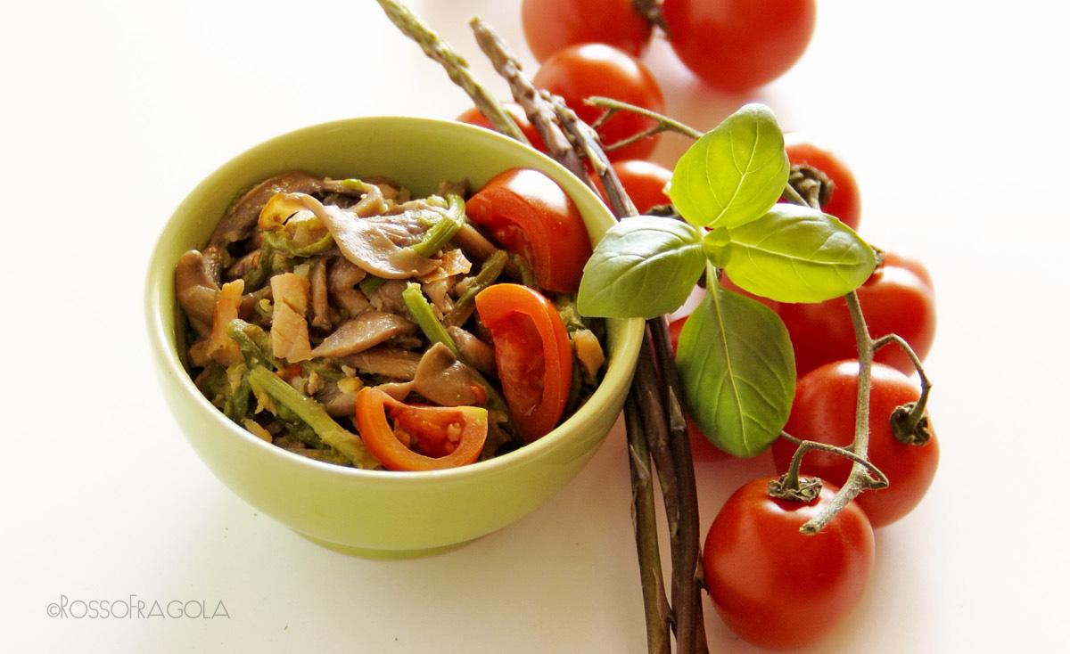 -ragù di asparagi funghi e ciliegino