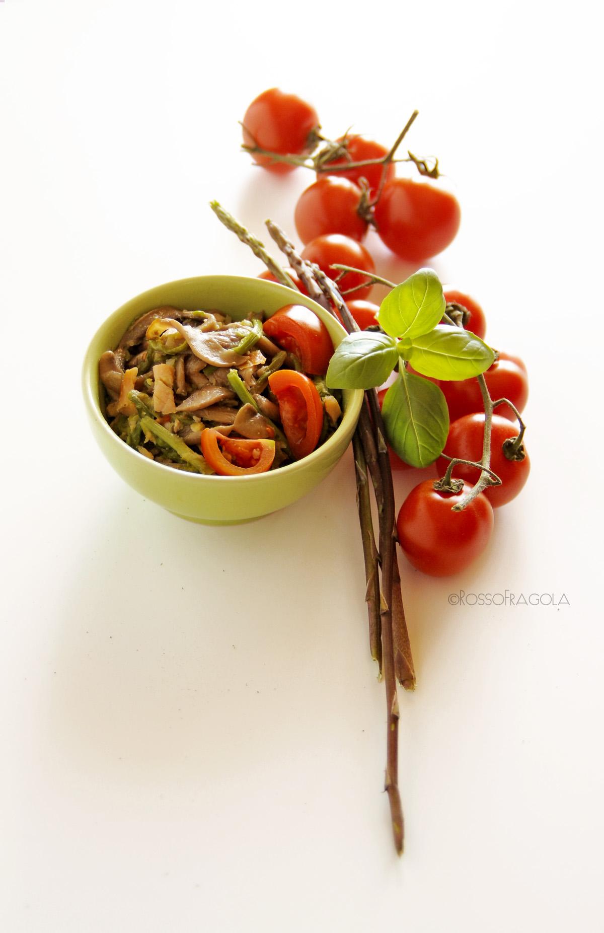 Ragù di asparagi funghi e ciliegino