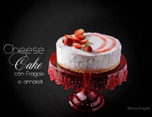 Cheese Cake allo yogurt con fragole e amaretti