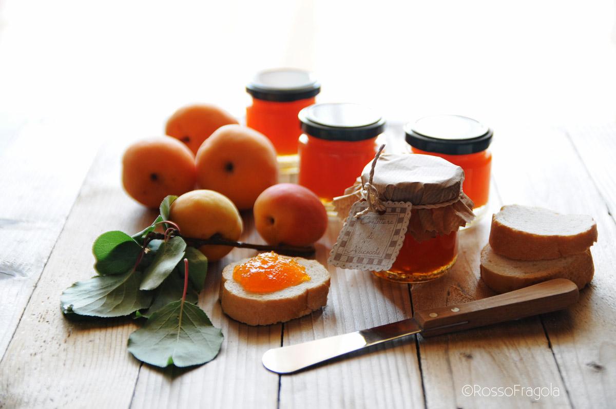 Confettura di albicocche fatta in casa