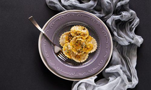 Tortelli alla zucca con pistacchi di Bronte e curcuma – #TopRicetta