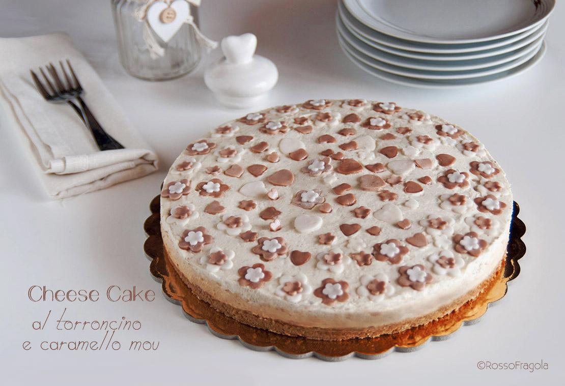 Cheese Cake al torroncino, caramello mou e amarene - senza gelatina
