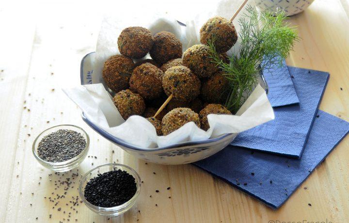 Crocchette al finocchietto con sesamo nero e semi di chia