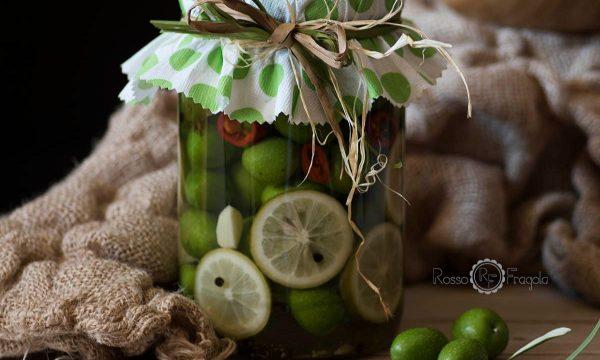 Olive in salamoia al limone e peperoncino – ricetta siciliana facilissima