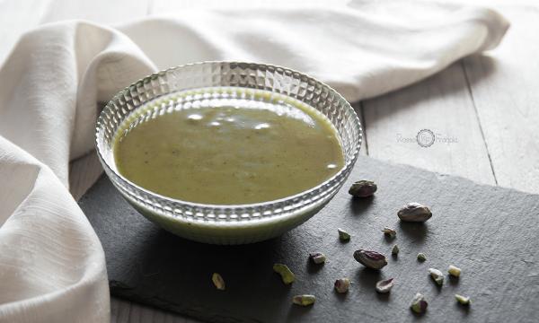 Glassa lucida al pistacchio per torte moderne – facile e veloce