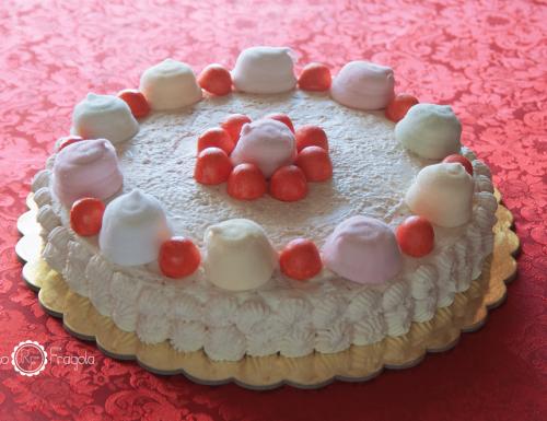 Torta marshmallow al torroncino e meringhe – senza cottura