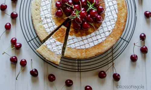 Cherry Cake – Torta alle ciliegie cotta in padella