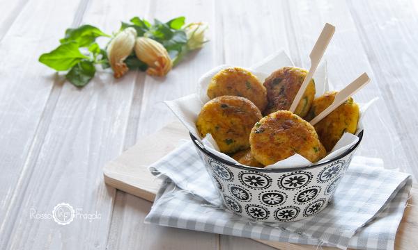 Polpette ai fiori di zucca con patate e noci