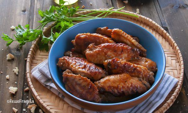 Alette di pollo glassate in salsa barbecue e miele