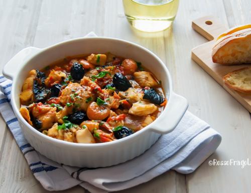 Zuppa di pesce con olive e pomodorini di Pachino – ricetta siciliana