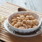 Mandorle pralinate al garofano e cannella