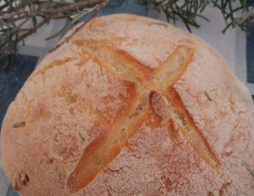 Pagnotta al rosmarino con farina di grano duro