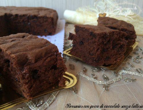 Brownies con gocce di cioccolato senza lattosio