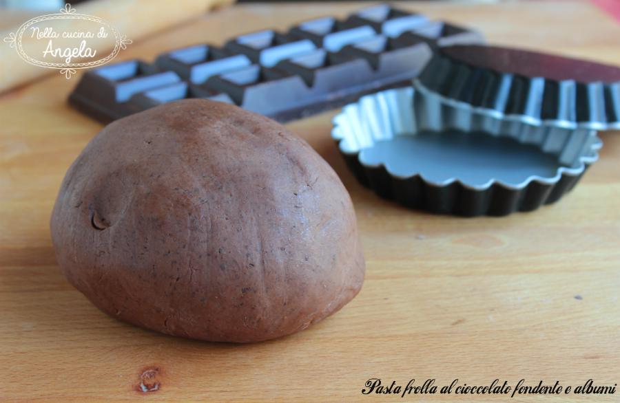 Pasta frolla al cioccolato fondente e albumi