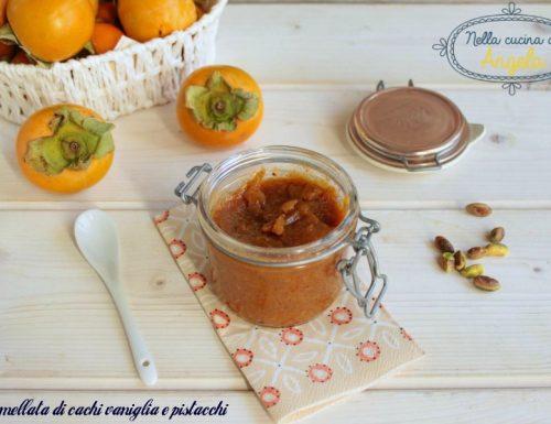 Marmellata di cachi vaniglia e pistacchi