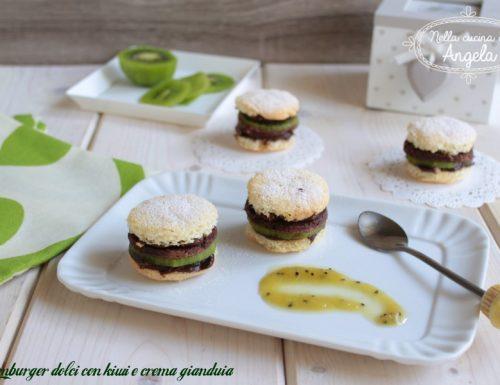Hamburger dolci con kiwi e crema gianduia