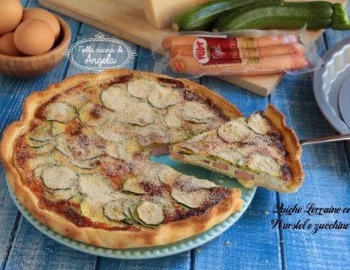 Quiche lorraine con wurstel e zucchine