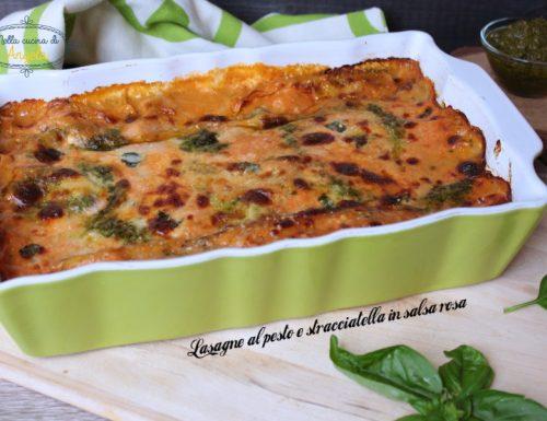 Lasagne al pesto e stracciatella in salsa rosa