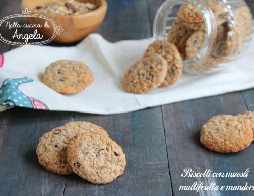 Biscotti con muesli multifrutta e mandorle