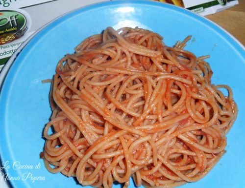 Spaghetti al pomodoro e origano