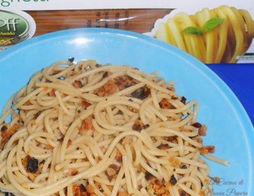 Spaghetti con pane morbido