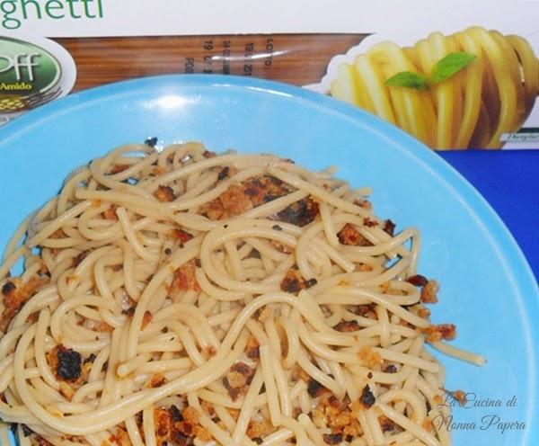 Spaghetti con pane
