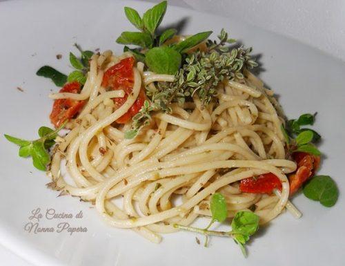 Spaghetti origano e capperi
