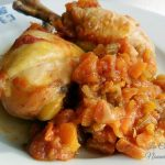 Pollo alle verdure in pentola a pressione