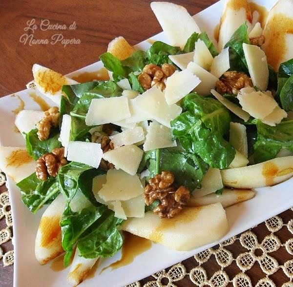 Insalata di spinaci pere e noci