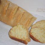 Pane al basilichito e olio agrumato