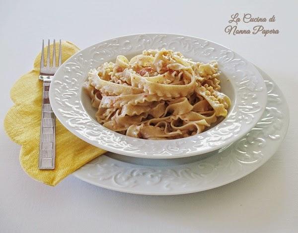 Pasta-al-sugo-di-salmone-2-