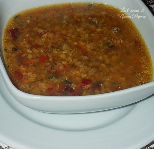 Zuppa di grano con lenticchie