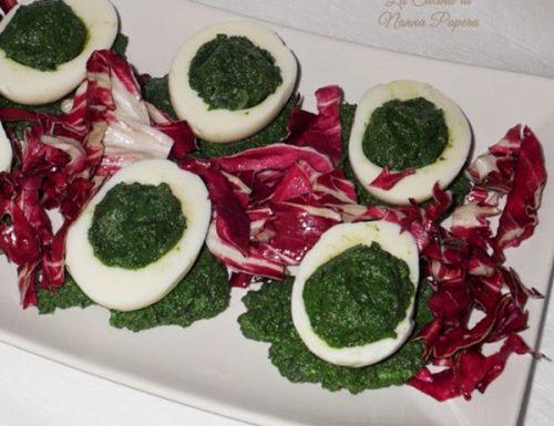 Uova sode farcite di spinaci