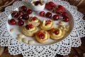 Pasta sfoglia con crema fragole e ciliegie