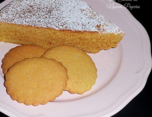 Torta al microonde e biscotti tradizionali