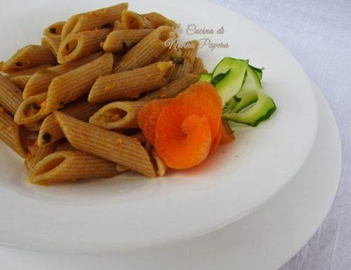 Pasta integrale con zucchine e carote ricetta veloce
