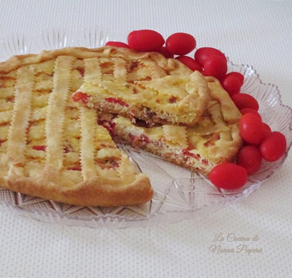 Crostata salata ricotta speck e pomodorini