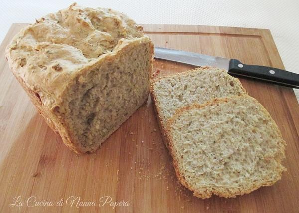 Pane nero -La macchina del pane